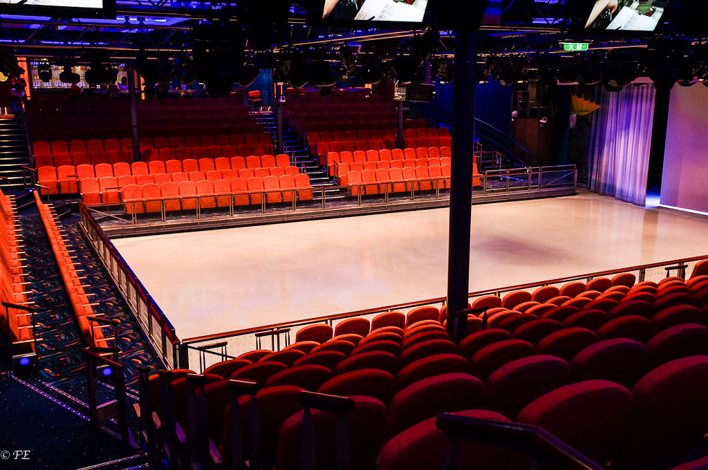 Allure of the Seas ice rink