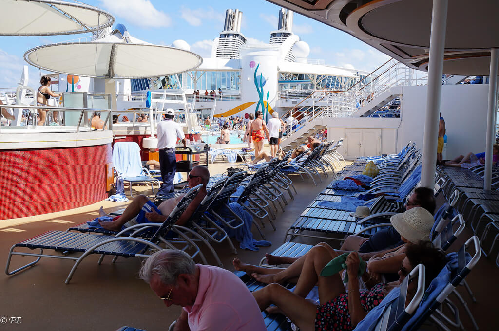Allure of the seas pool deck