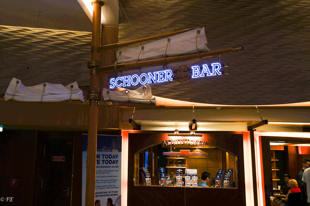 Allure of the Seas Schooner bar