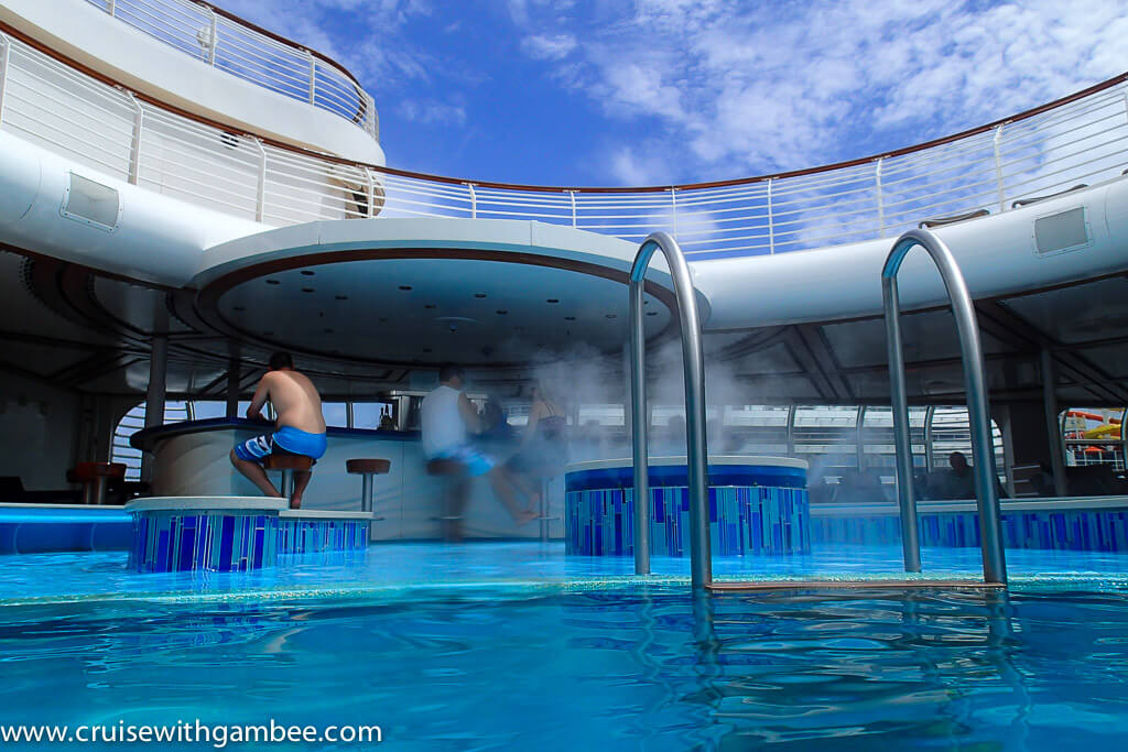 Disney Dream pool bar
