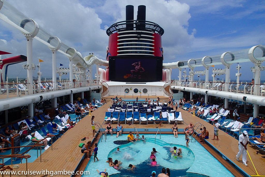 Disney Dream pool area