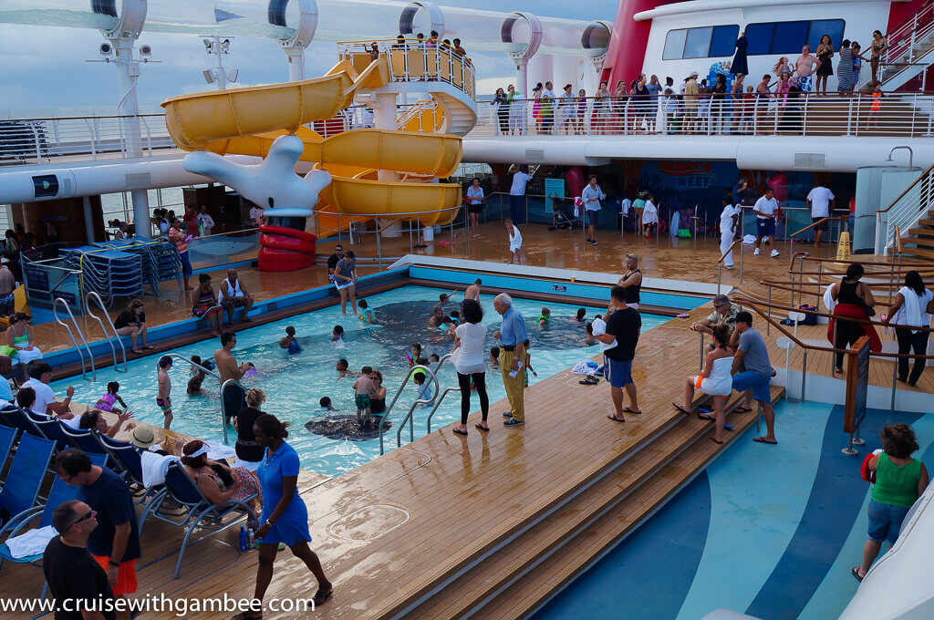 Disney dream water slide and kids pool