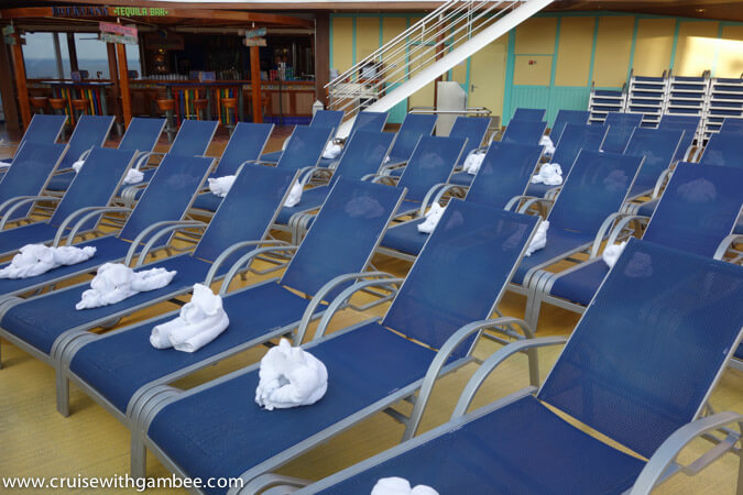 Carnival Breeze towel animals