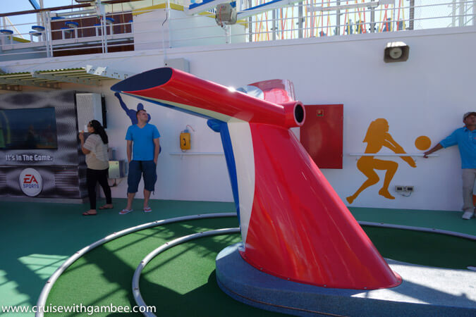 Carnival Breeze Mini Golf