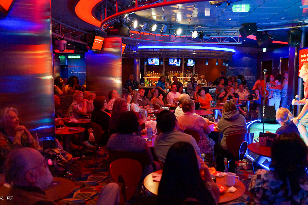 Allure of the Seas bars and lounges
